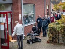 In de rij voor een griepprik bij Kulturhus in Beek: 'Ik heb nog nooit griep gehad'
