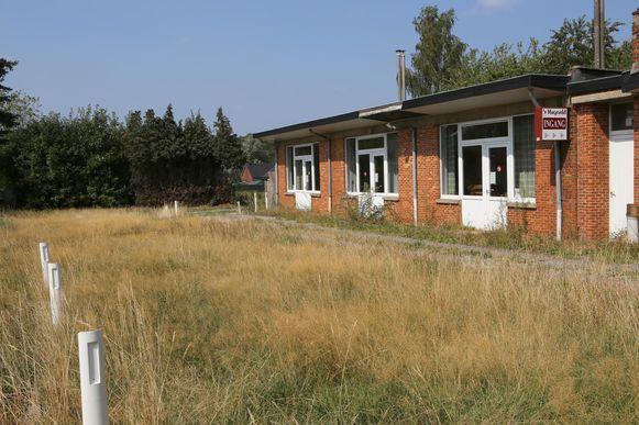 In 2005 kocht de gemeente het terrein van ontmoetingszaal 't Hageveld. Sindsdien is er nog niet veel mee gebeurd.