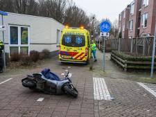 Brommerrijder gewond naar het ziekenhuis na ongeval in Helmond