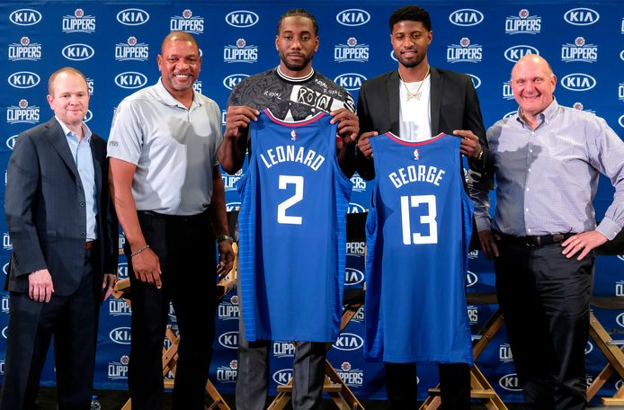 LA Clippers presenteert de aanwinsten Kawhi Leonard en Paul George.