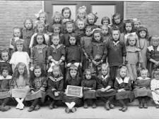 Nog meer kiekjes van onder het stof: wie herkent deze meisjes uit Zeelst?