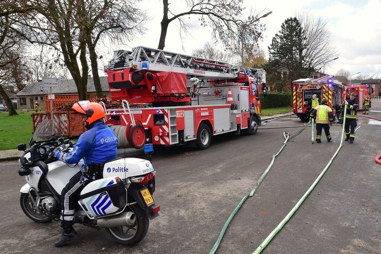 De brandweer hoefde maar beperkt tussen te komen, het vuur was snel onder controle.
