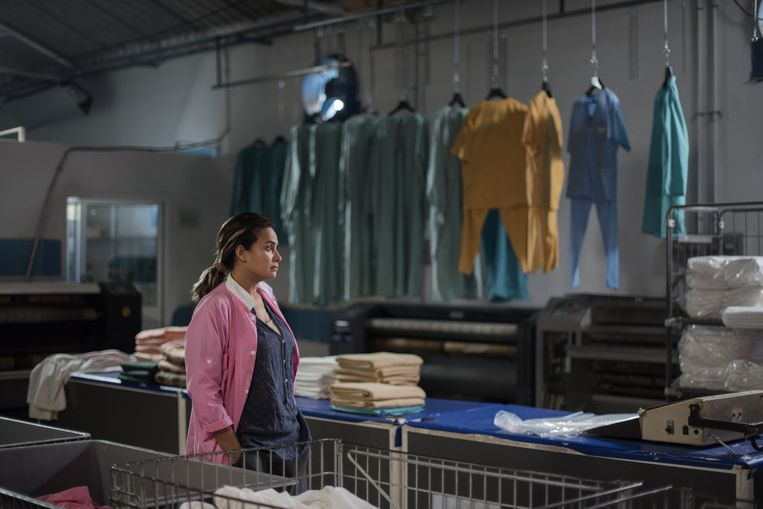 Hend Sabri in Noura's Dream (2019). Beeld