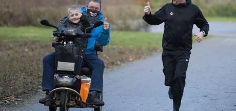 Met de wilskracht van zijn zieke vriend Theo in het achterhoofd loopt Frans (61) uit Eindhoven 160 kilometer
