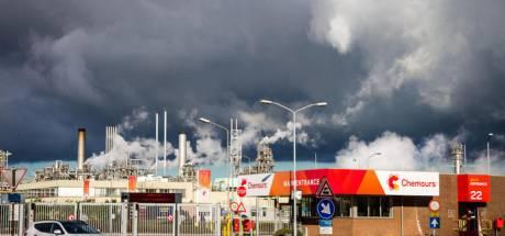 Duizenden nemen kijkje op fabrieksterrein van Chemours tijdens open dagen
