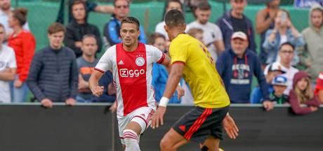 Ajax verslaat Watford door late goal Timber