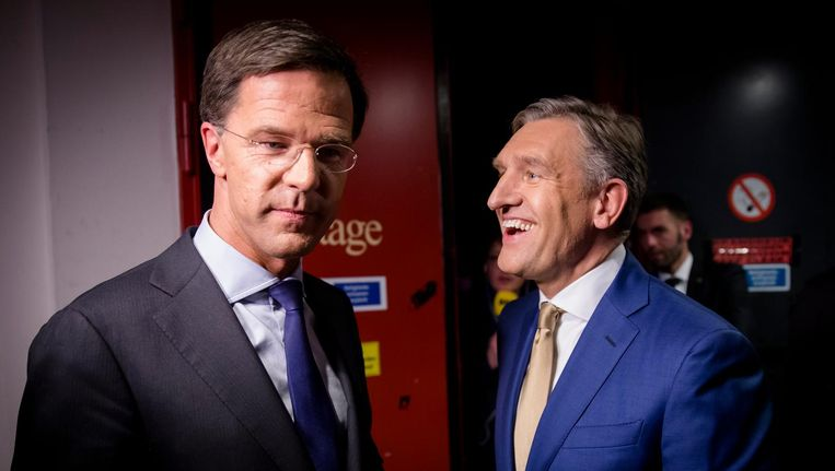 Premier Mark Rutte en Sybrand Buma (CDA) na afloop van het Carré debat. Beeld anp