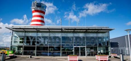 Kabinet: schrappen laagvliegroutes maakt opening vliegveld Lelystad mogelijk