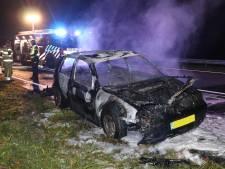 Auto compleet uitgebrand op  de N50 tussen Ens en Emmeloord