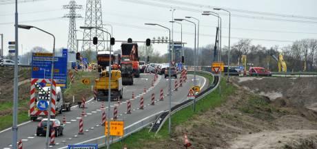 Concrete plannen door Regio Deal: Bootjes varen tijdens werk aan N3 en Merwedebrug