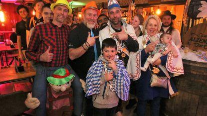 CARNAVAL HALLE: Nieuw prinsenpaar op bezoek in de Alzenbar in Alsemberg