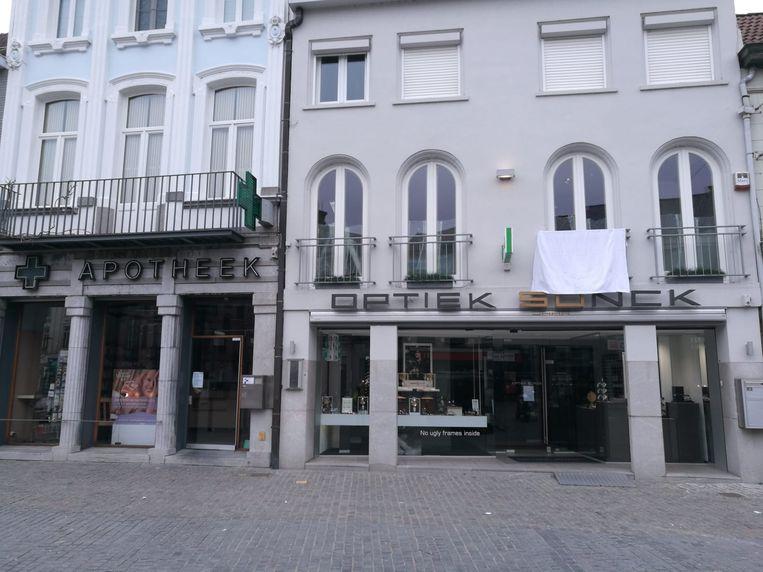 Ook in Lokeren doken heel wat witte vlaggen op.
