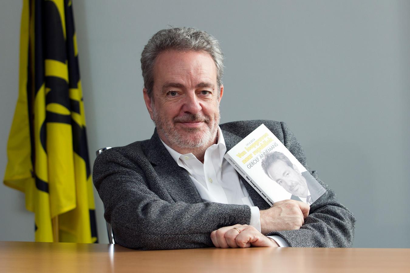 Gerolf Annemans schreef in 2014 het boek 'Van loopgraven tot Republiek', maar je zal het niet op de Boekenbeurs terugvinden.
