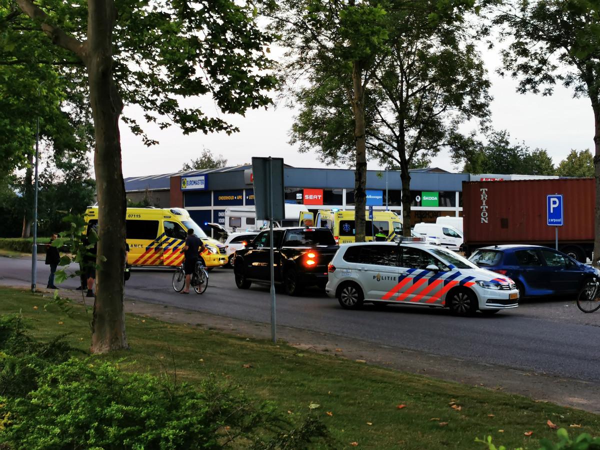 Veel hulpdiensten in Zevenaar na het zware ongeluk.