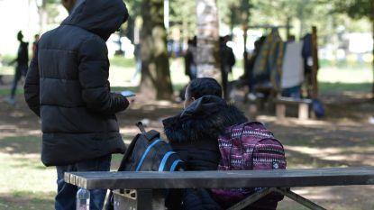 Prostitutiebendes viseren transmigranten in Maximiliaanpark: 25 euro voor seks, 10 euro voor verborgen plek
