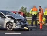 Zwaar ongeval op A16 bij Moerdijk, twee gewonden naar ziekenhuis
