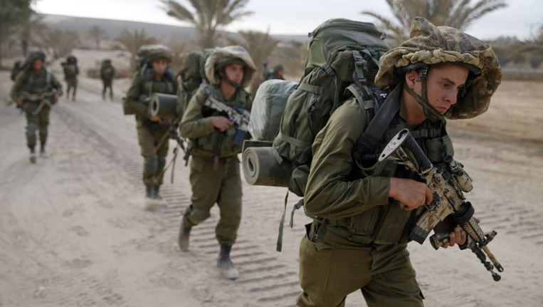 Israëlische soldaten in de Gaza-strook. Beeld reuters