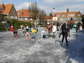 Genieten van winterpret op ijsbaan Hyacintplein in Breda