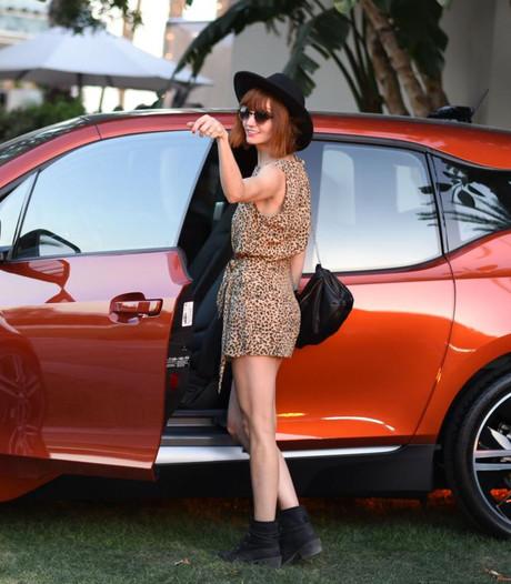 Elektrische BMW's terug want: 'onveilig voor kleine vrouwen'