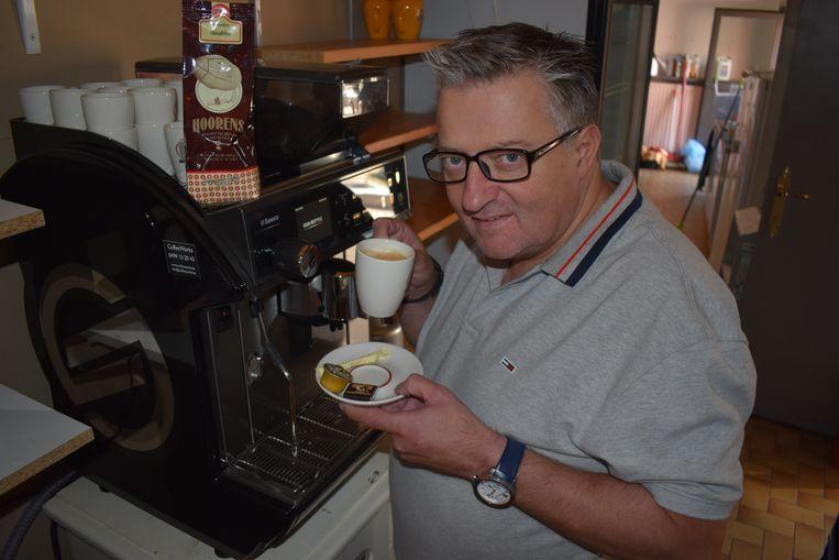 Per verkochte koffie schenkt Geert 1 euro aan Team Pia. Uiteraard komen ook Irish Coffee, Italian Coffee, Hasselt Coffee en Barry's Coffee in aanmerking.