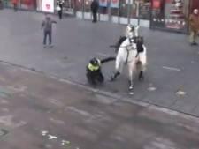 Politiepaard slaat op hol door vuurwerk tijdens rellen in Eindhoven: 'Dier maakt het goed'
