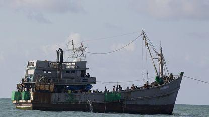 Myanmar stuurt boot met 727 vluchtelingen terug naar volle zee