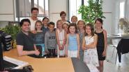 Leerlingen bezoeken het gemeentehuis
