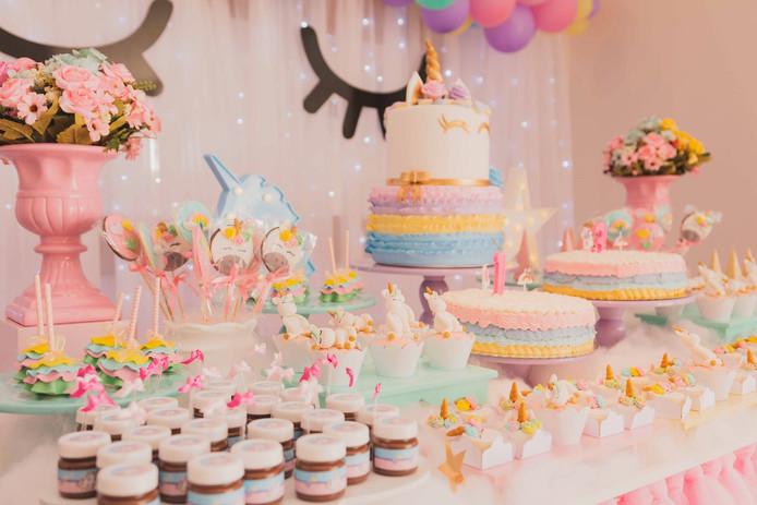 Buffet à thème, décoration assortie, location de salle et même organisateur d'événement: aux Etats-Unis, on ne lésine devant rien pour l'anniversaire de son enfant.