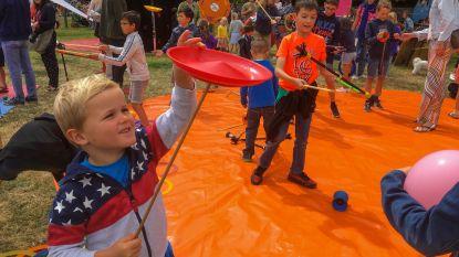 Met 12.000 kinderen genieten van openluchtcircus