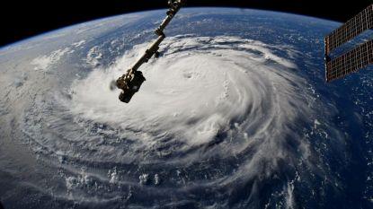 """Oostkust van VS maakt zich op voor """"krachtigste orkaan in dertig jaar"""""""