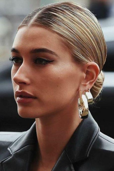 """""""Sleek bun"""", la coiffure élégante à adopter de toute urgence"""
