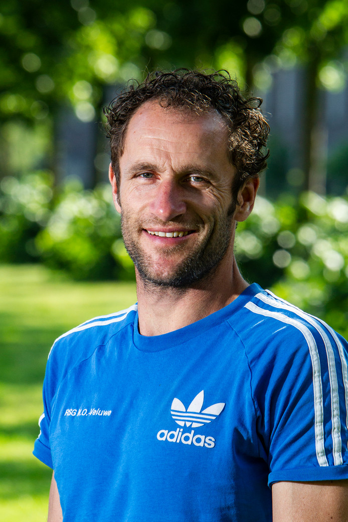 """Sander Poll kreeg in zijn debuutjaar als trainer van Overwetering twee rode kaarten. ,,Heel dom natuurlijk."""""""