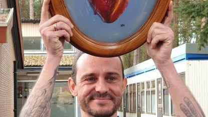 """Tijs Vanneste (Van Echelpoel) veilt kunstwerk voor 3Master: """"Als ex-leerkracht heb ik een hart voor deze school"""""""