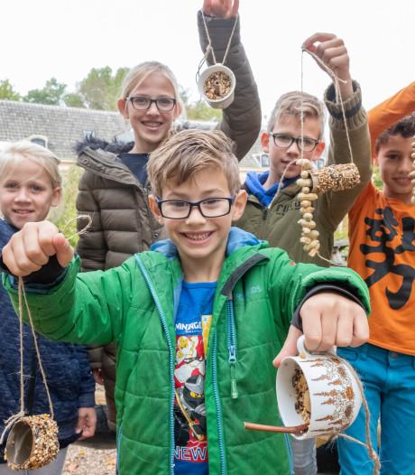 Kinderen maken feestmaal in 'vogelkeuken' Terra Maris