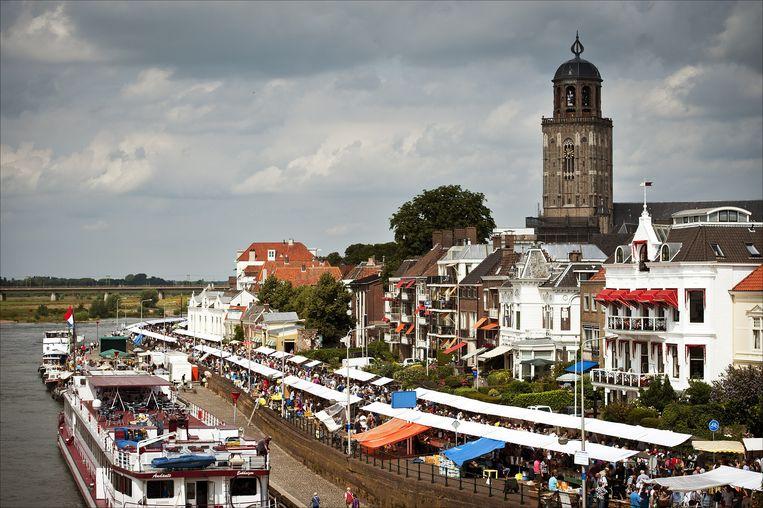 De Deventer boekenmarkt, de dag na het Tuinfeest. Beeld anp