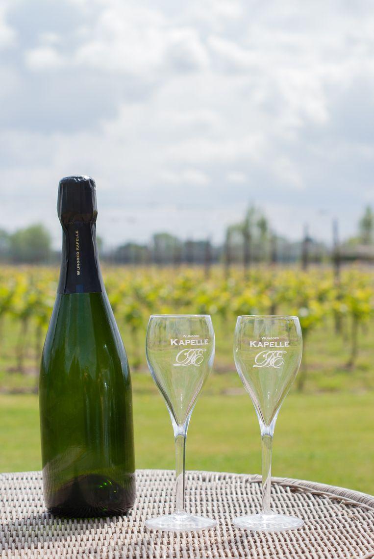 Nu zondag kun je de schuimwijn van Wijngoed Kapelle proeven op de kermis.