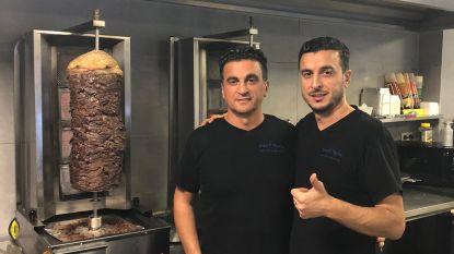 100 minderbedeelden krijgen gratis kerstmaaltijd bij kebabzaak Snack Aydin