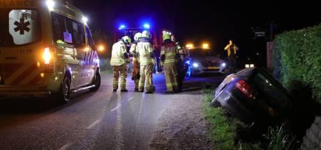 Auto belandt in sloot in Ederveen