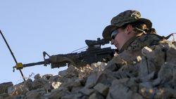 Vrouwelijke marinier schrijft Amerikaanse geschiedenis