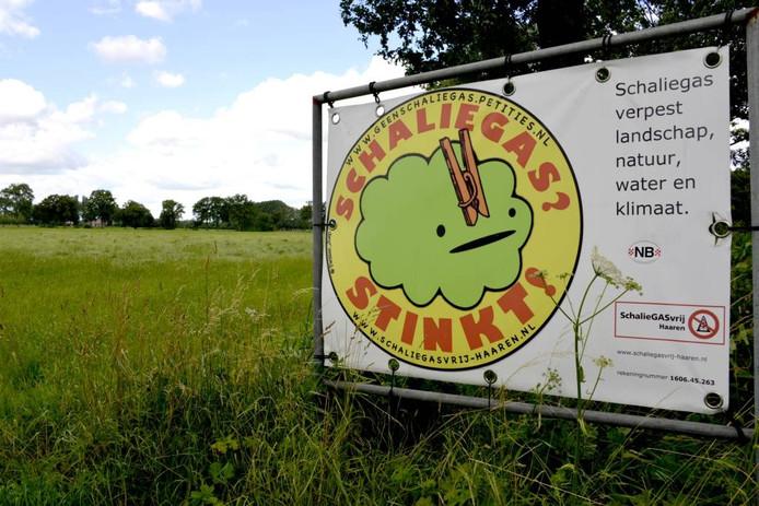 Een protestbord tegen schaliegasboringen bij Haaren. Foto: Albert van den Boomen.