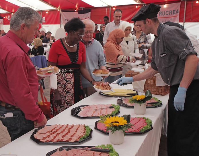 Het Midzomerfestijn in 2011, toen de houdbaarheid van etenswaren geen probleem was.