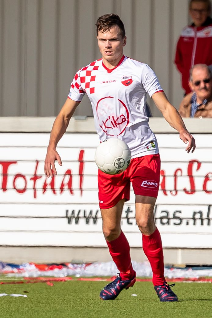WERKENDAM, Netherlands, 29-09-2018, football, Kozakken Boys stadium De Zwaaier, Dutch tweede divisie, season 2018/2019, Kozakken Boys player Mats van Huijgevoort, during the match Kozakken Boys - GVVV,