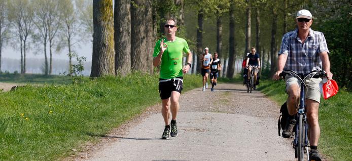 Mark Verhage in actie tijdens de Marathon Zeeuws-Vlaanderen.