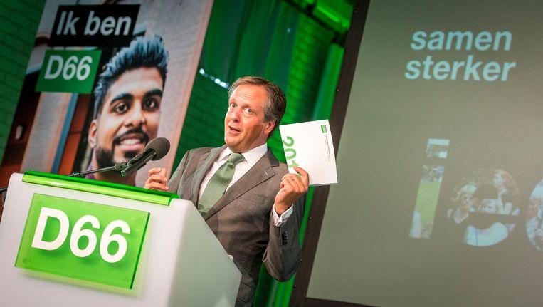 D66-lijsttrekker Alexander Pechtold presenteert het concept-verkiezingsprogramma van zijn partij voor de Tweede Kamerverkiezingen van 2017. Beeld anp