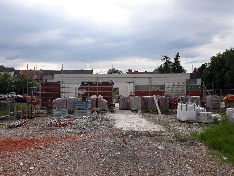 Chiro Sint-Libertus en ROJM bouwen momenteel nieuwe lokalen achter park Papenhof.
