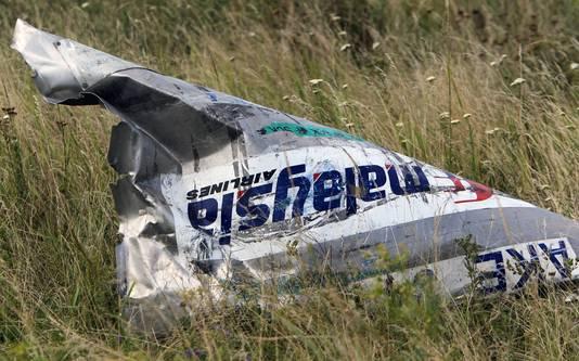 Een vliegtuigonderdeel van het neergeschoten toestel MH17 boven Oekraine.