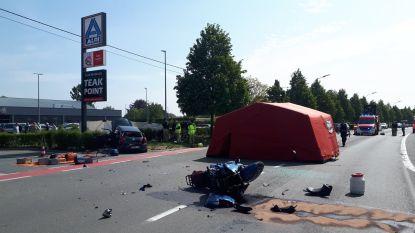 Motorrijder (61) overleden en vrouw levensgevaarlijk gewond bij ongeval in Zwalm
