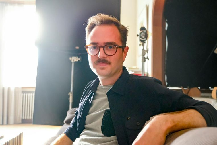 Regisseur Bas Devos werkt momenteel in Schaarbeek aan zijn nieuwe film.