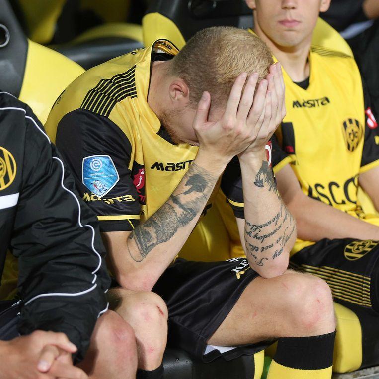 Roda JC-speler Simon Gustafson teleurgesteld na de verloren wedstrijd tegen Almere City.  Beeld ANP