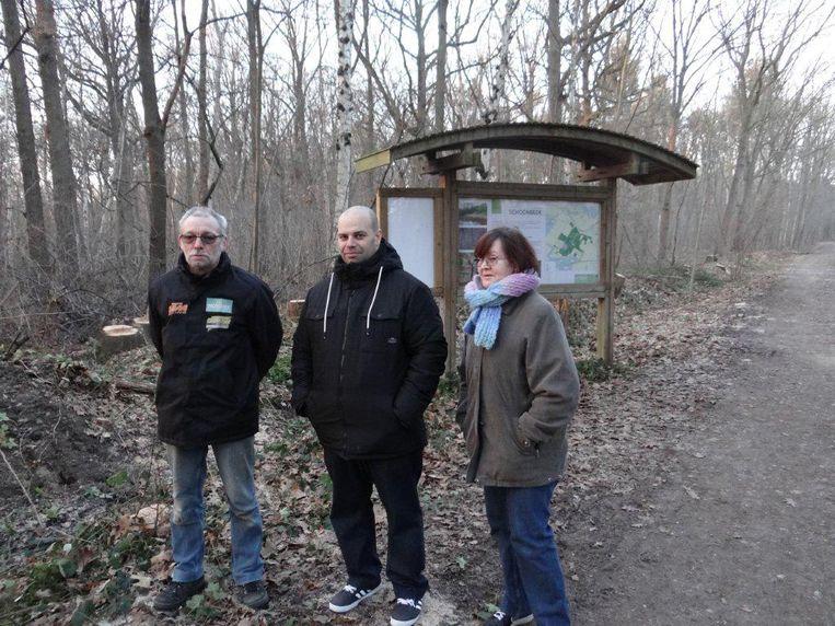 Dorpelingen Valère Remans, Luigi Flaminio en Marie-Claire Brans zijn een petitie gestart tegen de bomenkap.